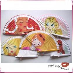 Abanicos de Madera con Caritas de Chicas 21 cm
