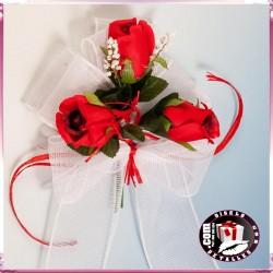 Lazada con Rosas Rojas