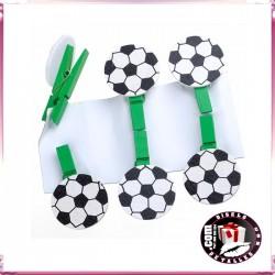 Pinzas con Pelota de Fútbol